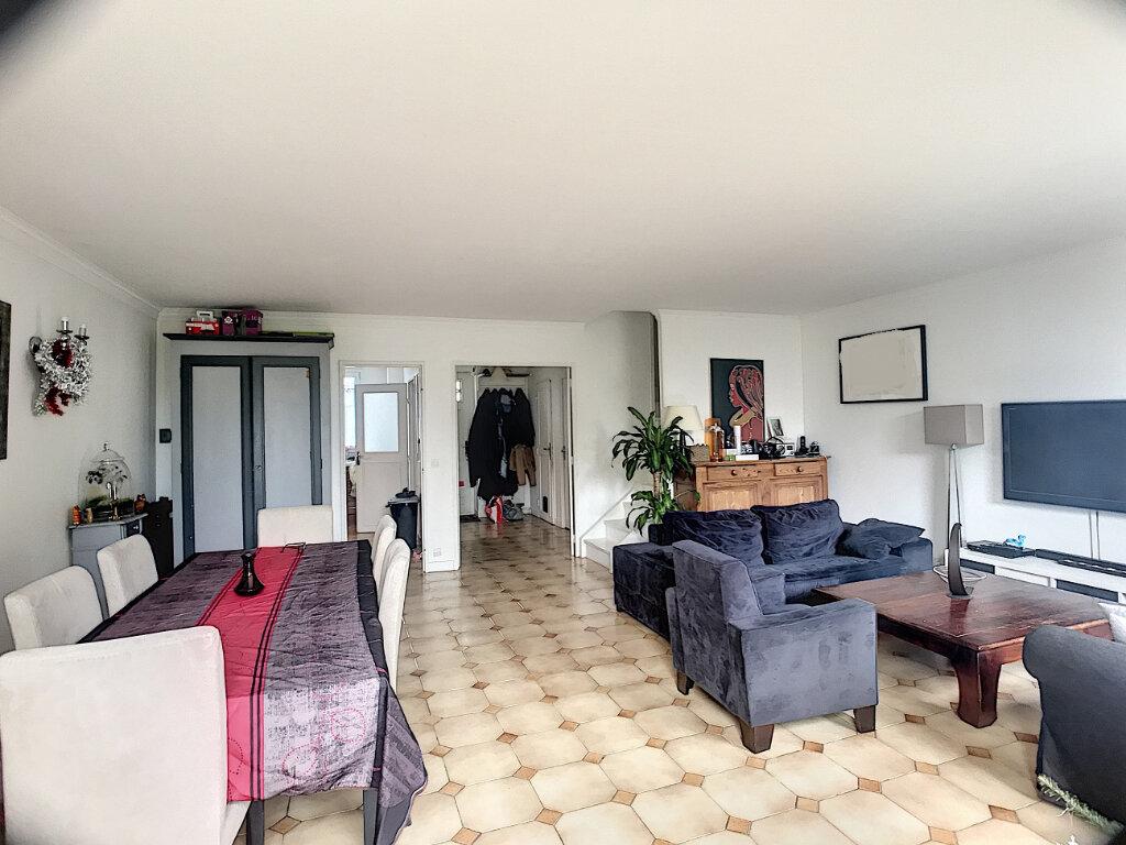 Maison à vendre 6 106m2 à Guyancourt vignette-2