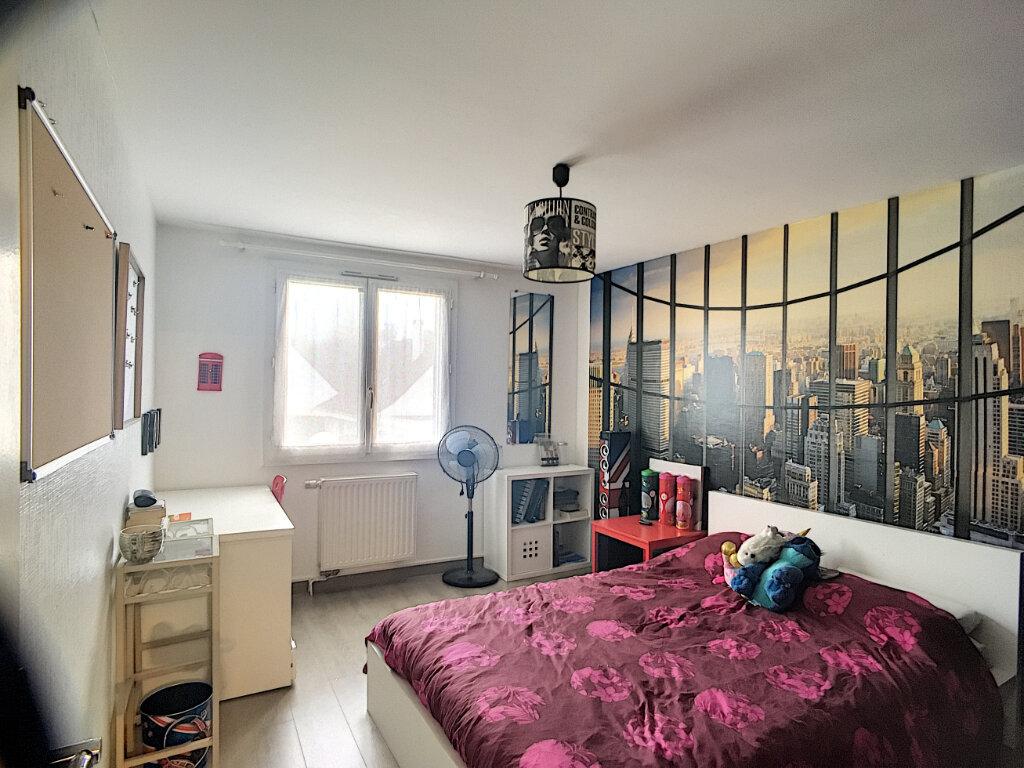 Maison à vendre 6 106m2 à Guyancourt vignette-4