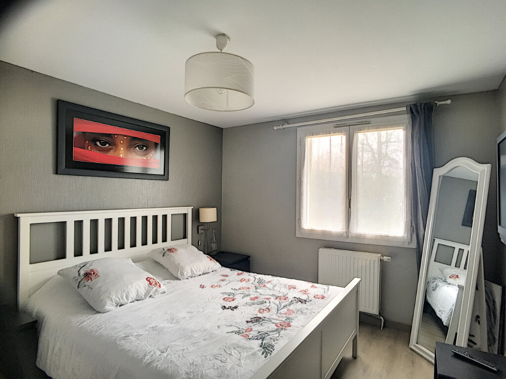 Maison à vendre 6 106m2 à Guyancourt vignette-5