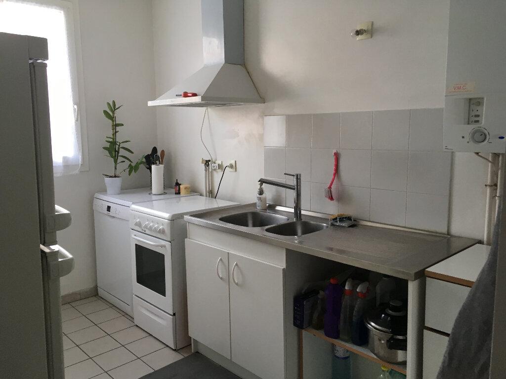 Appartement à louer 4 84.02m2 à Guyancourt vignette-3