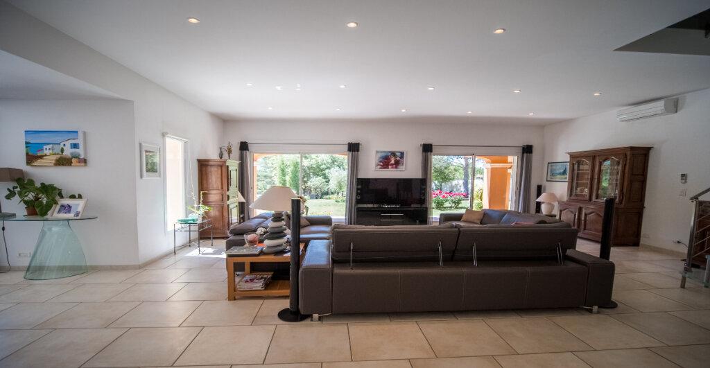Maison à vendre 5 222m2 à L'Isle-sur-la-Sorgue vignette-5