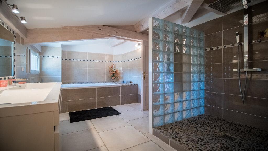 Maison à vendre 5 222m2 à L'Isle-sur-la-Sorgue vignette-7