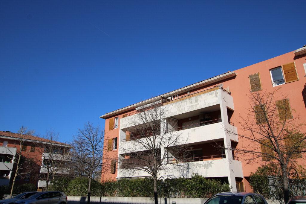 Appartement à vendre 3 67m2 à Le Pontet vignette-1