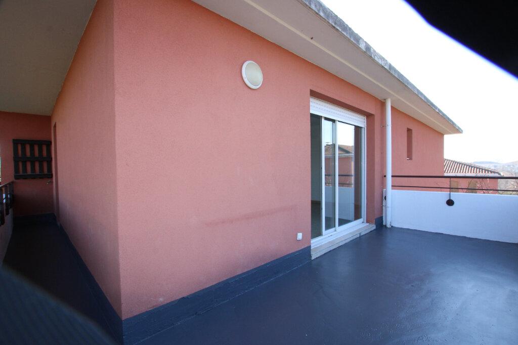 Appartement à vendre 3 67m2 à Le Pontet vignette-2
