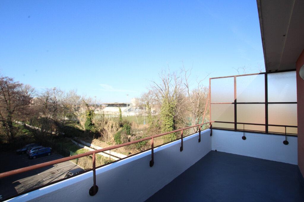 Appartement à vendre 3 67m2 à Le Pontet vignette-3