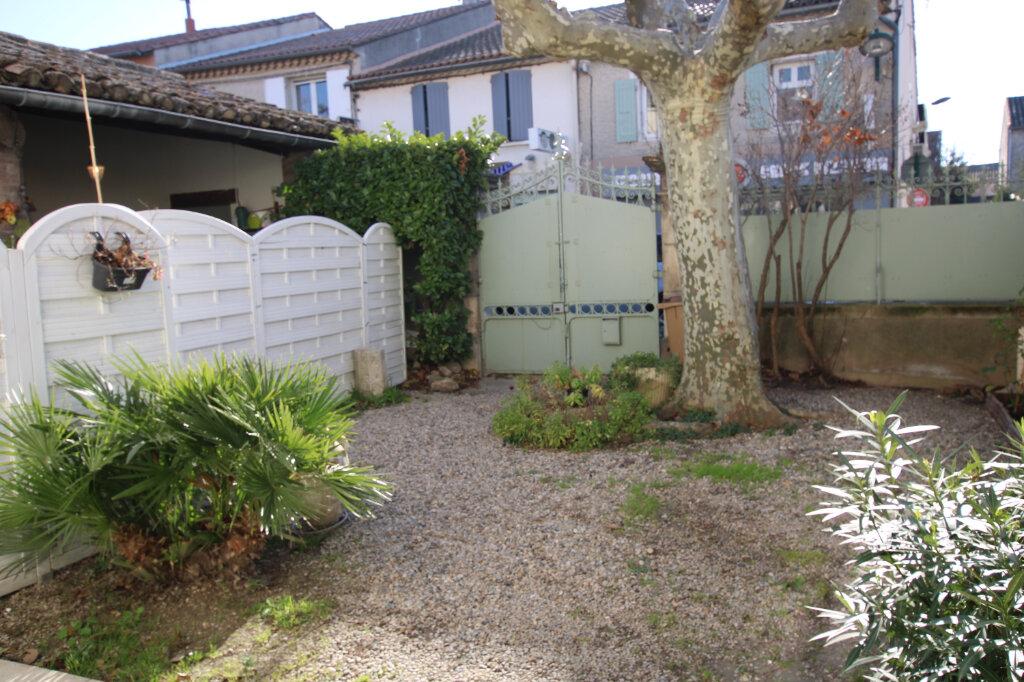Appartement à louer 3 110m2 à Morières-lès-Avignon vignette-4