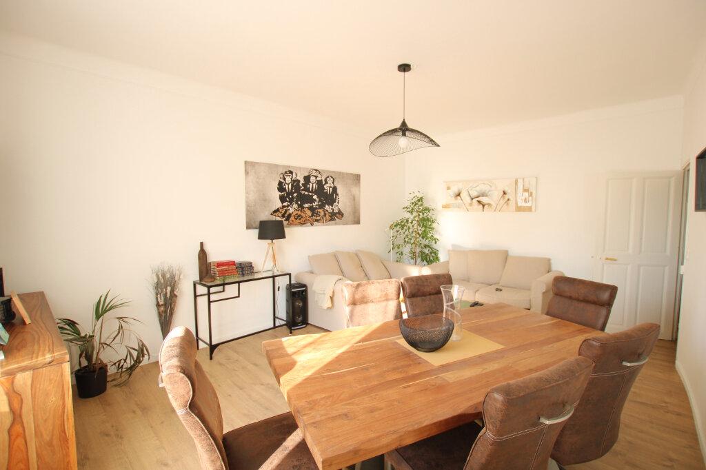Appartement à louer 3 110m2 à Morières-lès-Avignon vignette-5