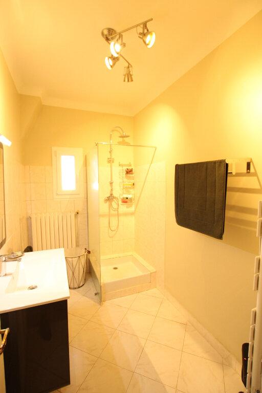 Appartement à louer 3 110m2 à Morières-lès-Avignon vignette-9