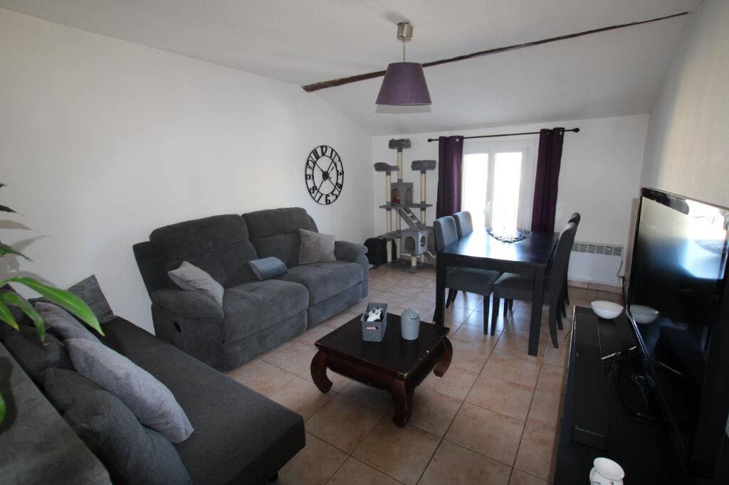 Appartement à louer 2 56.8m2 à Morières-lès-Avignon vignette-1