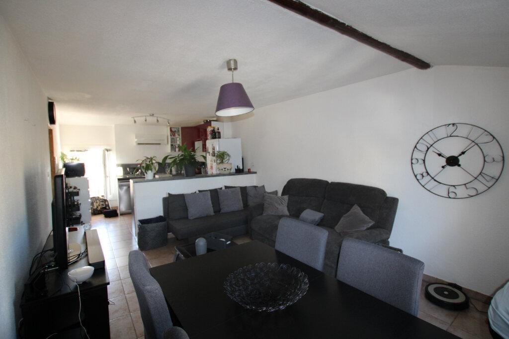Appartement à louer 2 56.8m2 à Morières-lès-Avignon vignette-3