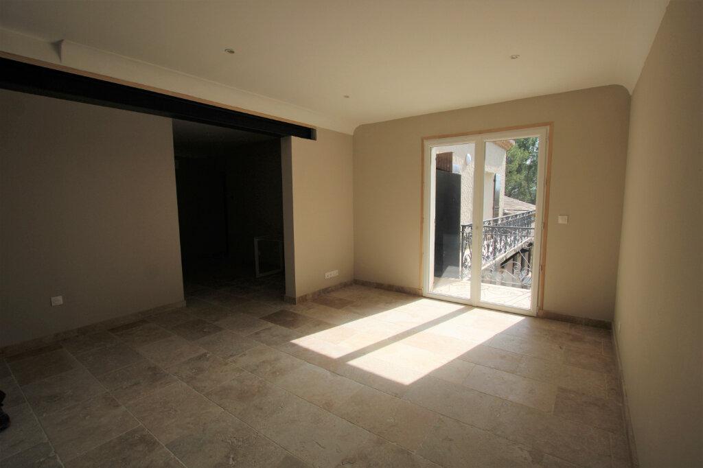 Appartement à louer 3 70m2 à Bédarrides vignette-2
