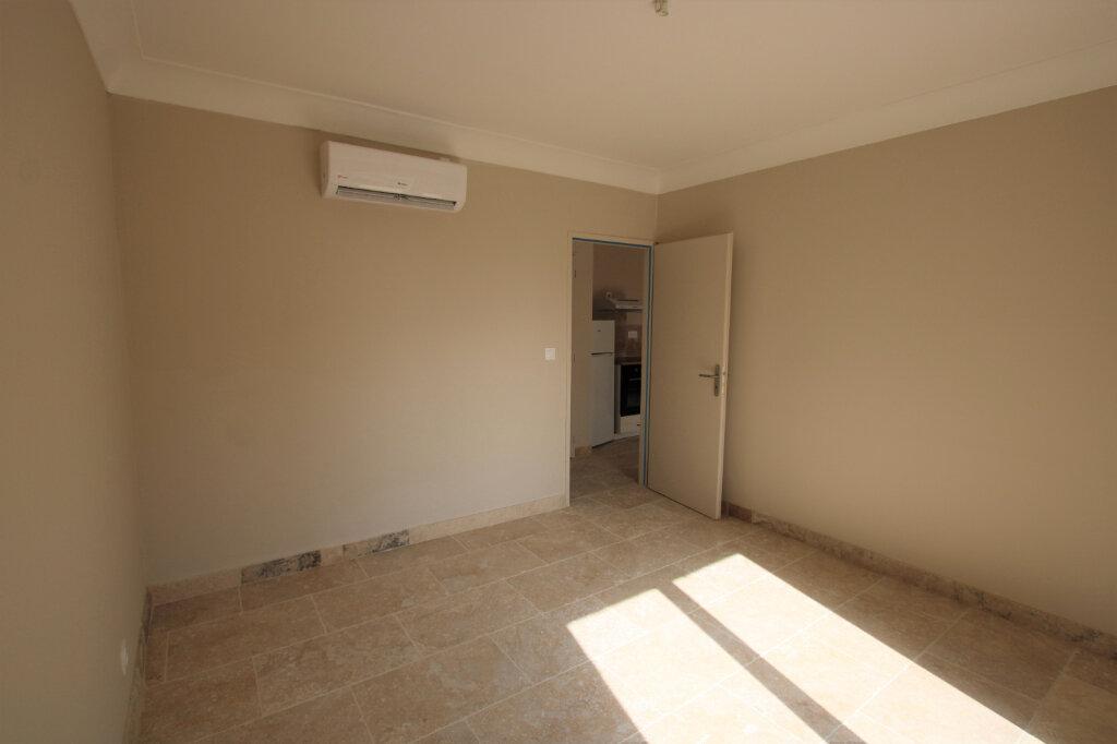 Appartement à louer 3 70m2 à Bédarrides vignette-7