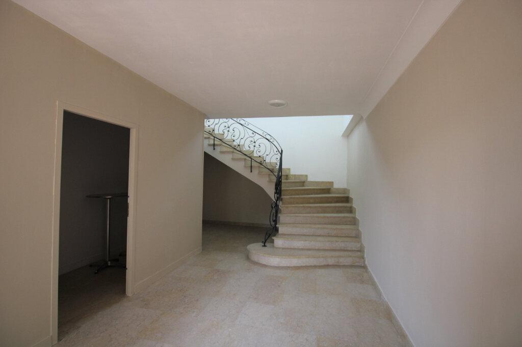 Appartement à louer 3 70m2 à Bédarrides vignette-10