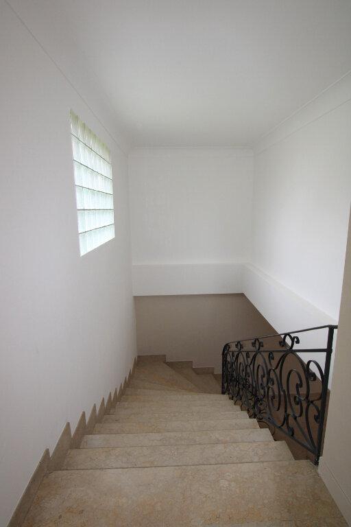 Appartement à louer 3 70m2 à Bédarrides vignette-11