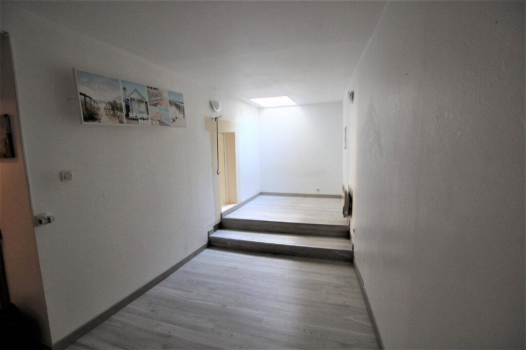 Appartement à louer 2 47.38m2 à Carpentras vignette-4