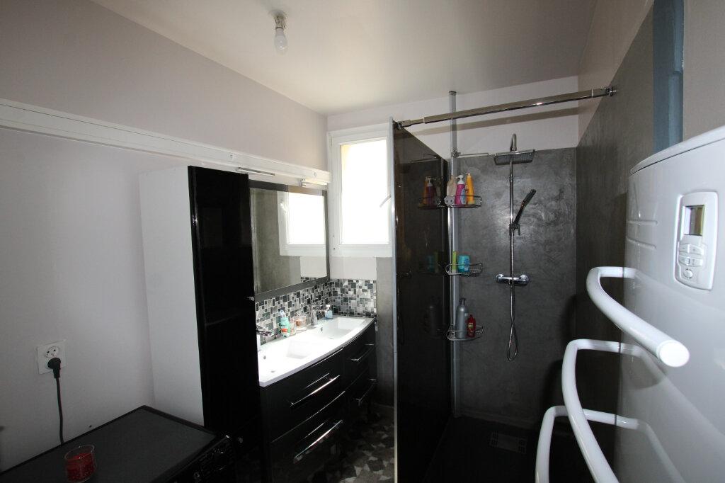 Appartement à vendre 2 55.66m2 à Montfavet - Avignon vignette-2