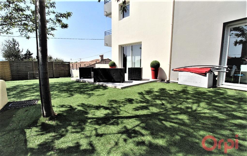 Appartement à vendre 3 63.03m2 à Fréjus vignette-2