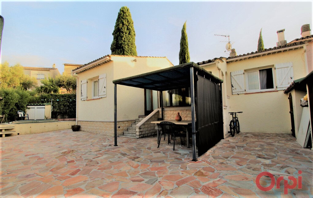 Maison à vendre 3 72m2 à Roquebrune-sur-Argens vignette-1
