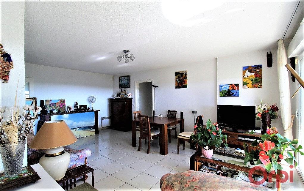Appartement à vendre 3 74.65m2 à Fréjus vignette-3