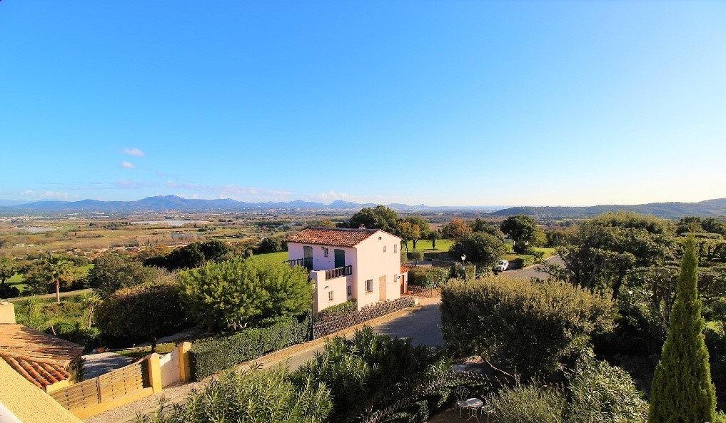 Maison à vendre 6 125m2 à Roquebrune-sur-Argens vignette-4