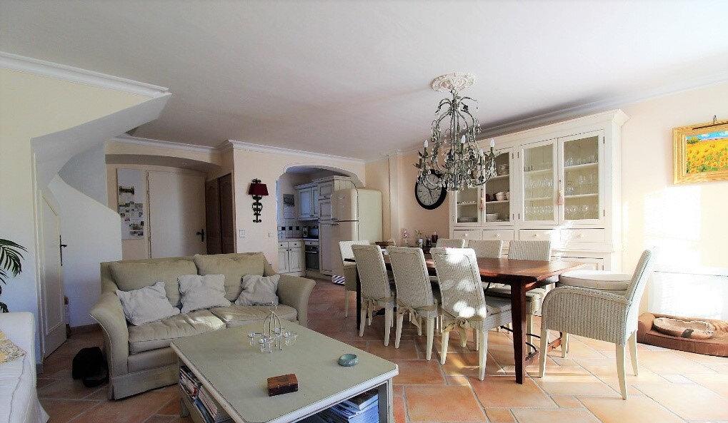 Maison à vendre 6 125m2 à Roquebrune-sur-Argens vignette-5