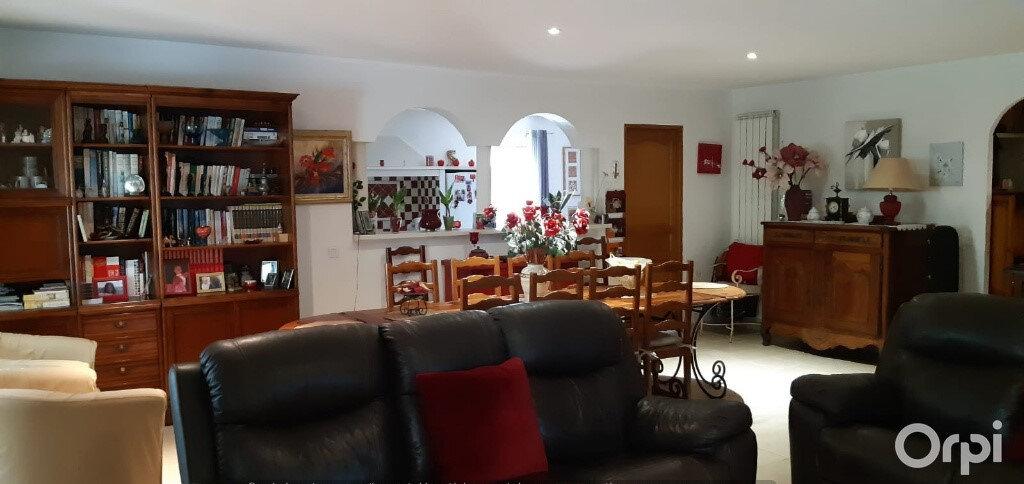 Maison à vendre 5 190m2 à Puget-sur-Argens vignette-4