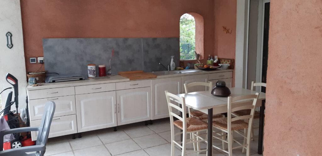 Maison à vendre 5 190m2 à Puget-sur-Argens vignette-8