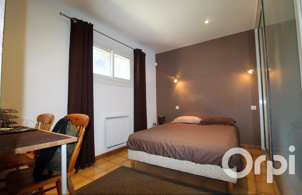 Maison à vendre 9 181.96m2 à Puget-sur-Argens vignette-6