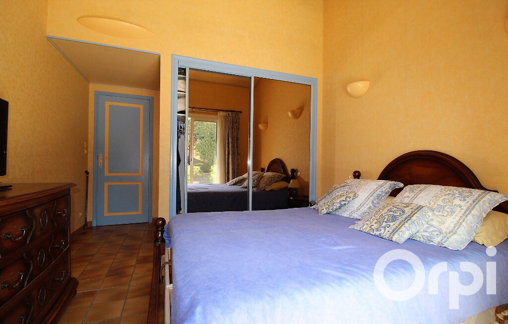 Maison à vendre 9 181.96m2 à Puget-sur-Argens vignette-10