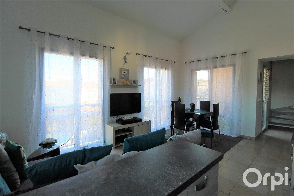 Appartement à louer 3 59.7m2 à Roquebrune-sur-Argens vignette-3