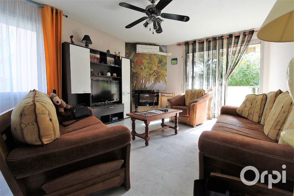 Appartement à louer 3 78m2 à Draguignan vignette-1