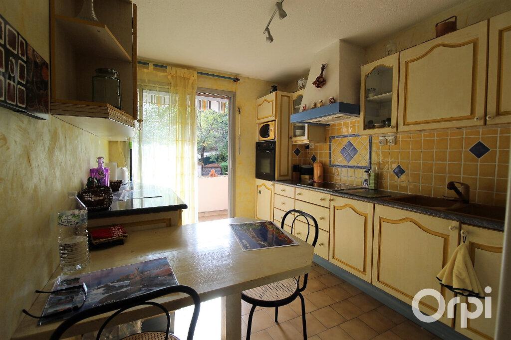 Appartement à louer 3 78m2 à Draguignan vignette-3