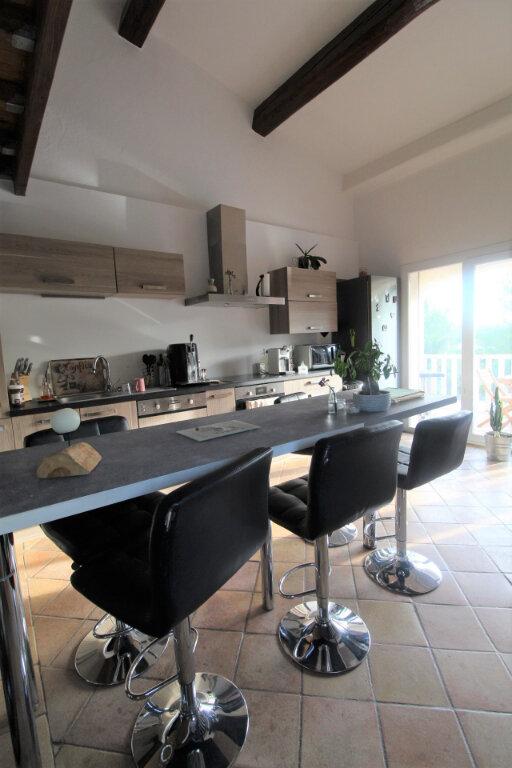 Maison à vendre 3 90m2 à Roquebrune-sur-Argens vignette-6