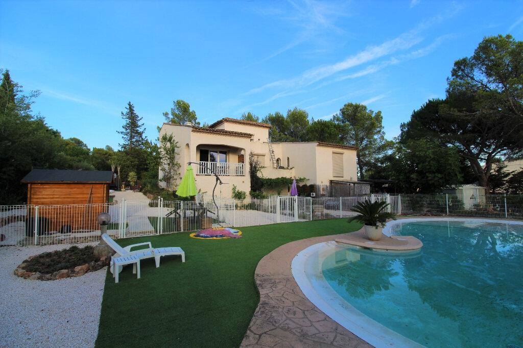 Maison à vendre 3 90m2 à Roquebrune-sur-Argens vignette-7