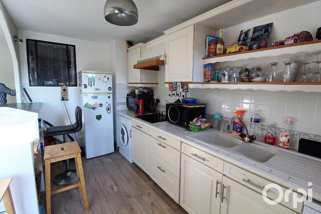 Appartement à louer 2 47.4m2 à Fréjus vignette-3