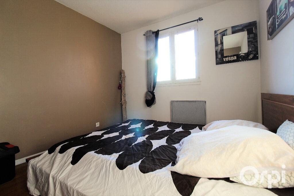 Appartement à louer 2 47.4m2 à Fréjus vignette-4