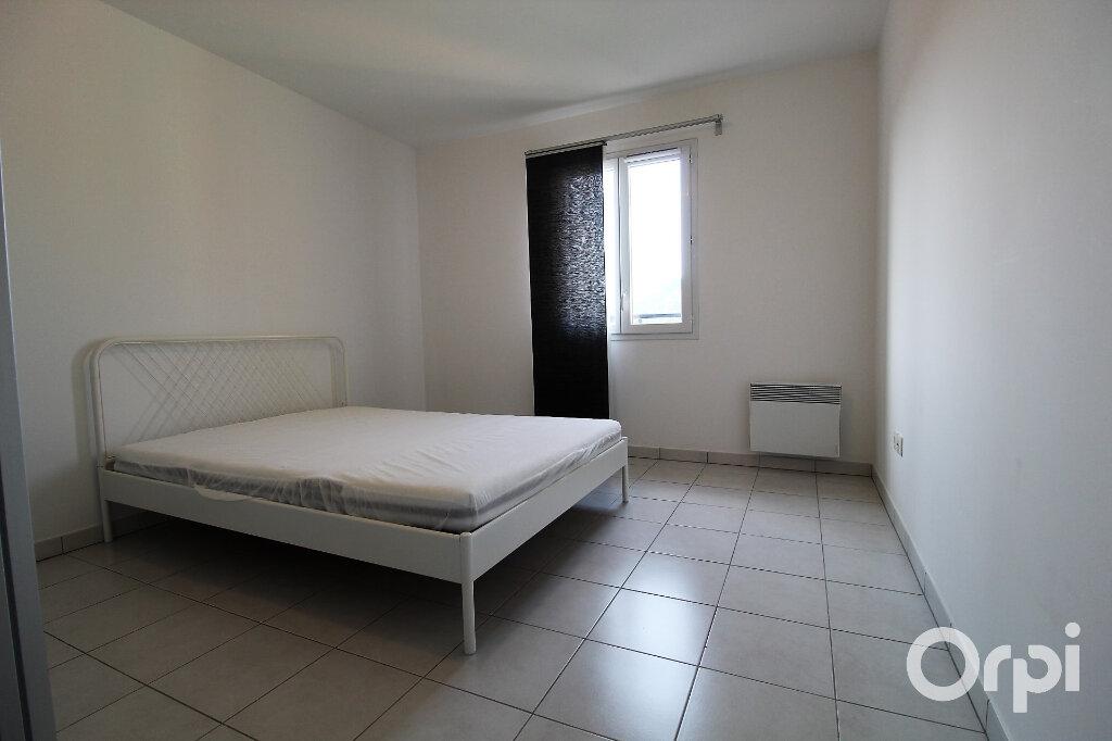 Appartement à louer 3 65.85m2 à Roquebrune-sur-Argens vignette-7