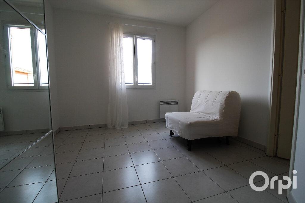 Appartement à louer 3 65.85m2 à Roquebrune-sur-Argens vignette-8