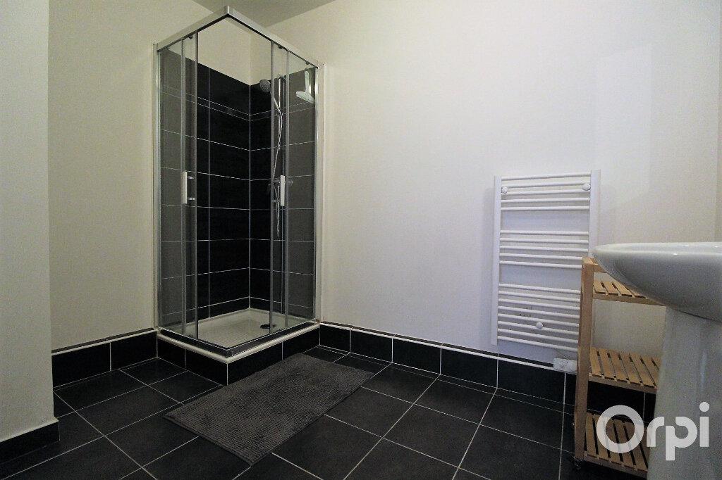 Appartement à louer 3 65.85m2 à Roquebrune-sur-Argens vignette-9