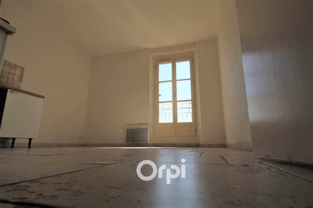 Appartement à louer 3 54m2 à Le Muy vignette-2