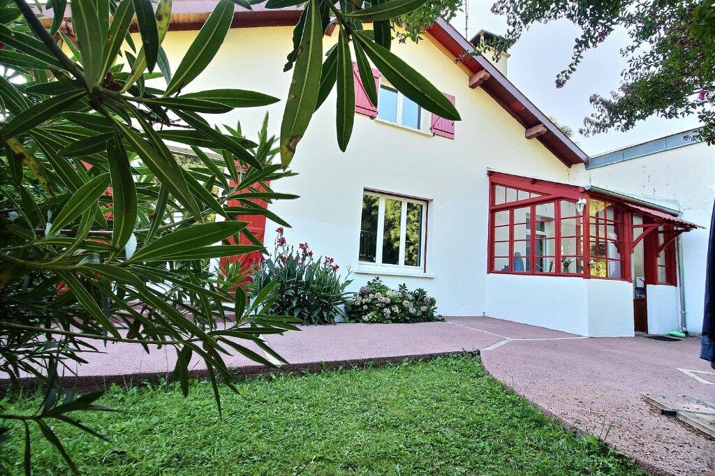 Maison à vendre 6 147m2 à Oloron-Sainte-Marie vignette-1