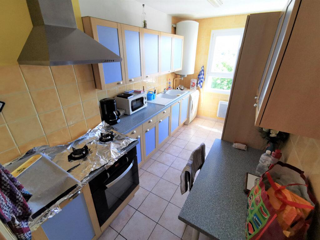 Appartement à vendre 5 71.14m2 à Bollène vignette-3