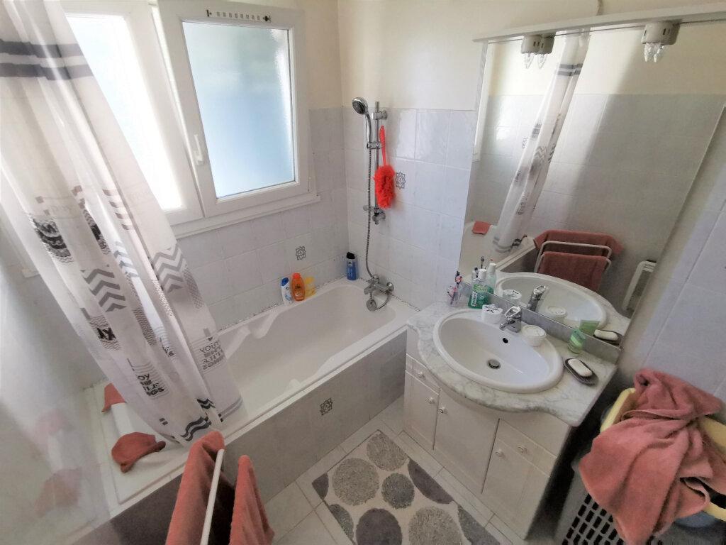 Appartement à vendre 5 71.14m2 à Bollène vignette-9