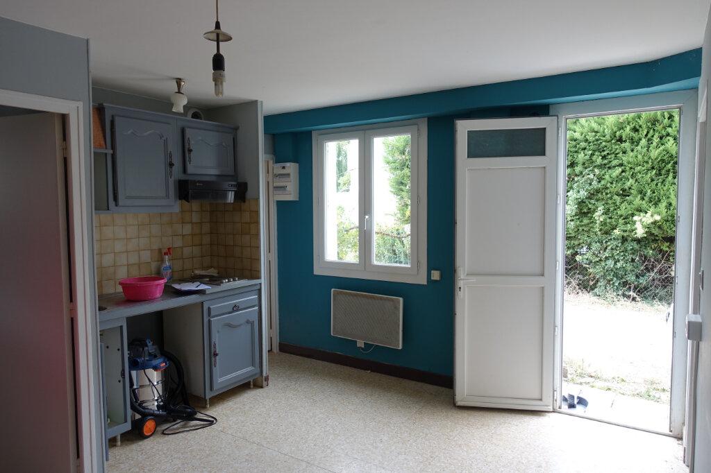 Appartement à louer 3 40.5m2 à Bollène vignette-1