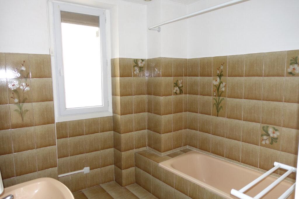 Appartement à louer 4 75m2 à Tulette vignette-4