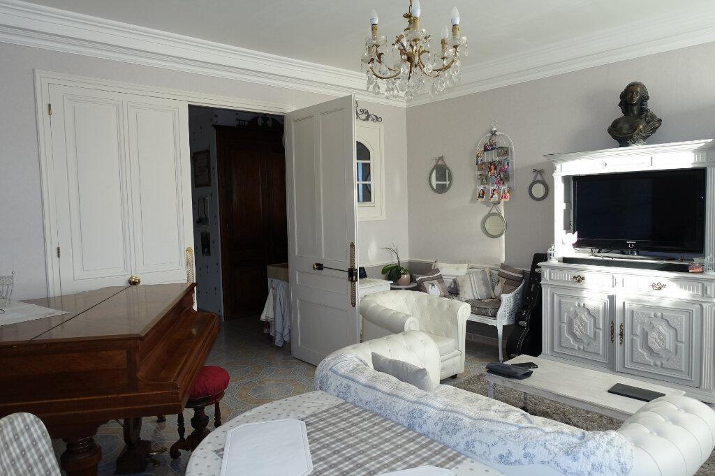 Maison à vendre 11 327.67m2 à Bollène vignette-8