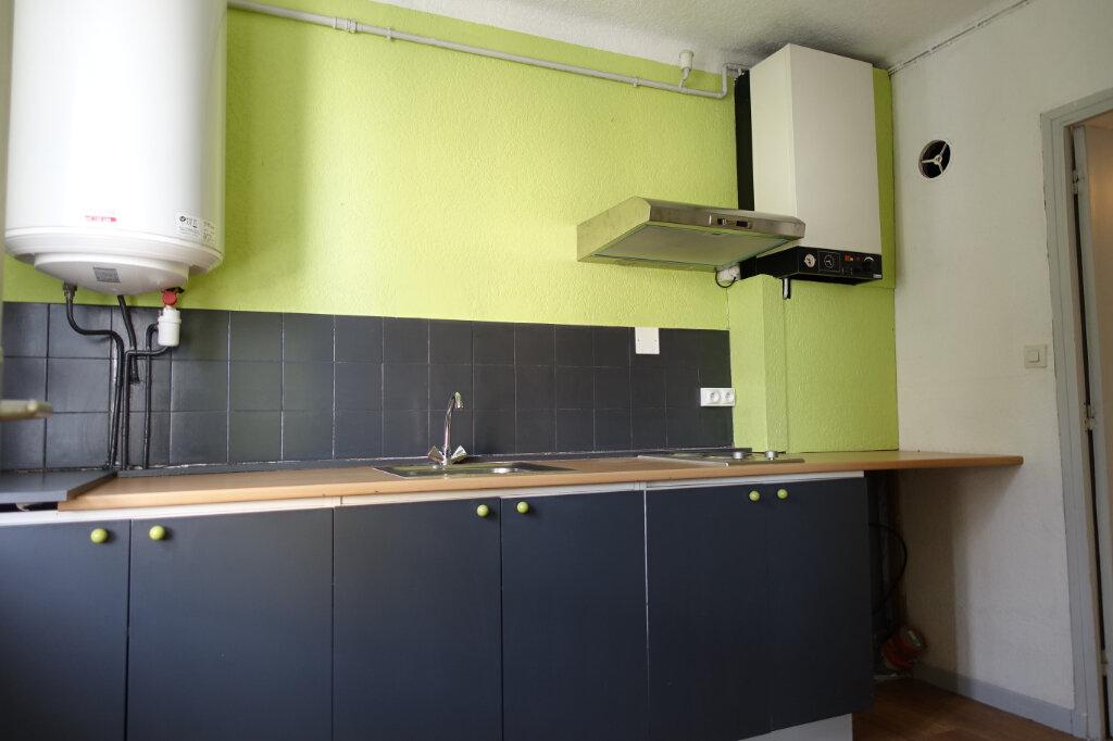 Appartement à louer 4 63m2 à Bollène vignette-4