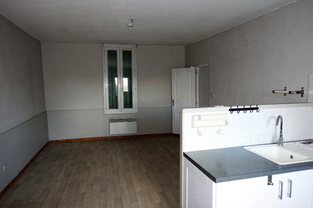 Maison à louer 3 74.9m2 à Bollène vignette-3