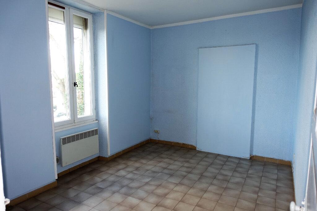 Maison à louer 3 74.9m2 à Bollène vignette-5
