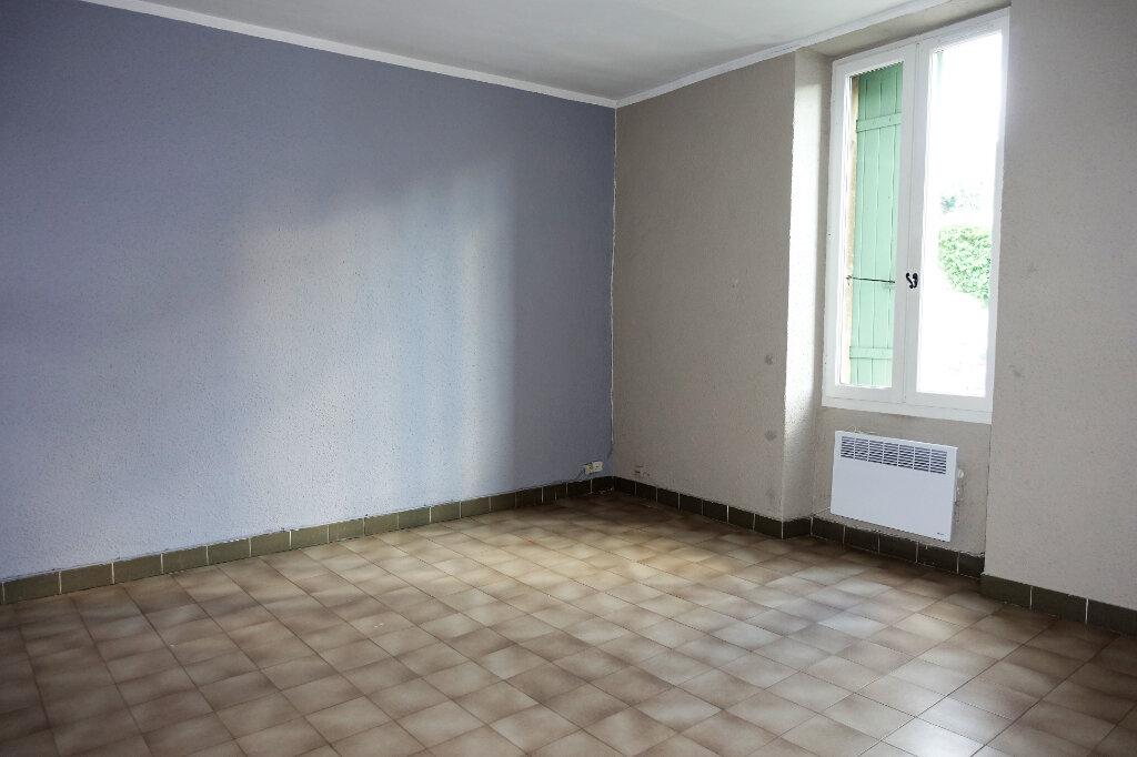 Maison à louer 3 74.9m2 à Bollène vignette-6